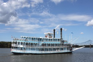 Mississippi River Cruises On The RIverboat Twilight